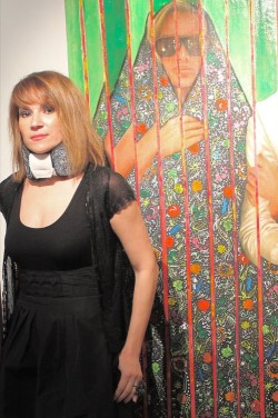 "<a href=""http://www.sampsoniaway.org/blog/2012/04/02/kuwaiti-artist-shurooq-amin-speaks-on-shutdown-of-%E2%80%9Cit%E2%80%99s-a-man%E2%80%99s-world%E2%80%9D-exhibition/"">Kuwaiti Artist Shurooq Amin On Shutdown of ""It's a Man's World"" Show</a>"