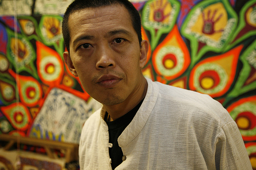 """<a href=""""http://www.sampsoniaway.org/fearless-ink/khet-mar/2012/06/14/htein-lin-the-master-of-prison-art/"""">Tea House: Htein Lin the Master of Prison Art</a>"""