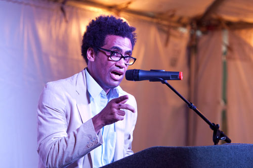 "<a href=""http://www.sampsoniaway.org/blog/2012/08/22/video-poet-thomas-sayers-ellis-reads-at-cave-canem-2012/"">Poet Thomas Sayers Ellis reads at Cave Canem 2012</a>"