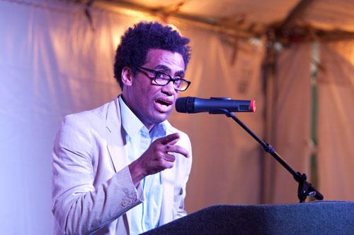 "<a href=""http://www.sampsoniaway.org/blog/2012/08/22/video-poet-thomas-sayers-ellis-reads-at-cave-canem-2012/"">Poet Thomas Sayers Ellis reads at Cave Canem 2012</a>"