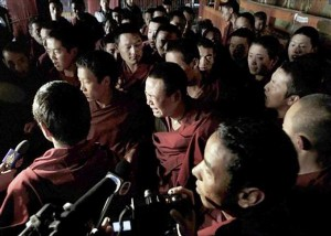 Foreign journalists visiting Jokhang Temple on March 26, 2008. Photo and caption via High Peaks Pure Earth
