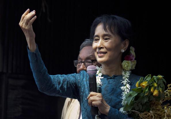 3.a-Aung+San+Suu+Kyi+Aung+San+Suu+Kyi+Addresses+E59MVSPeuhrl