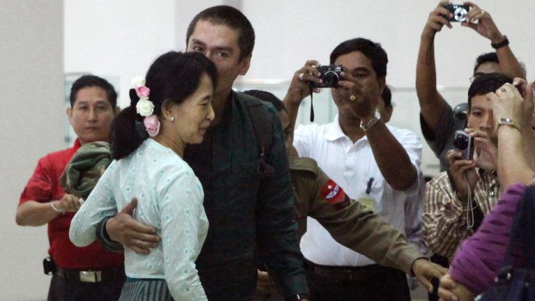 Image: Aung San Suu Kyi's second son visits mother in Myanmar