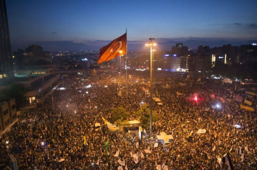 Taksim_Gezi_Park_protests_15th_June-e1371663870253