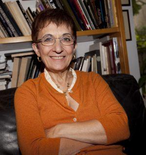 Sicilian playwright Lina Prosa. Image via ciaovivalacultura.com.