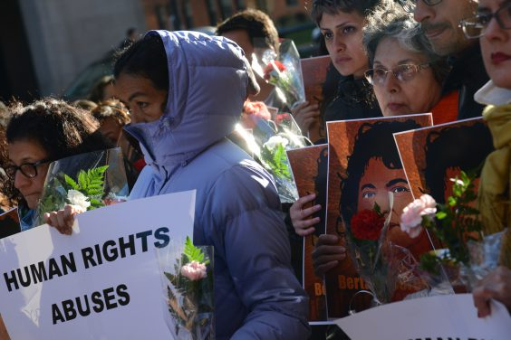 Protestors at a vigil for Berta Cáceres. Image by Daniel Cima via Flickr.
